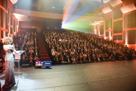Palco e plateia do 25º Prêmio Illy, em 2016